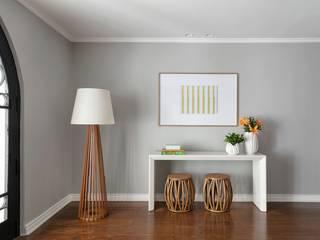 DCC by Next arquitetura Pasillos, halls y escaleras minimalistas Gris