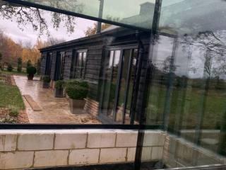 Little Gaddesden by Glass Structures Limited Сучасний