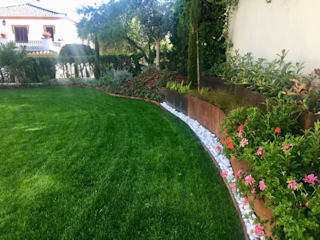 Jardin Unifamiliar con desniveles. GreenerLand. Arquitectura Paisajista y Tematización Jardines con piedras