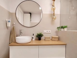 Kouch & Boulé Minimalist bathroom White