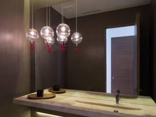 Arqcubo Arquitectos BathroomMirrors Kaca Turquoise