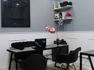 Carmela Design Oficinas y Comercios Compuestos de madera y plástico Negro