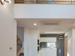 위드하임 现代客厅設計點子、靈感 & 圖片