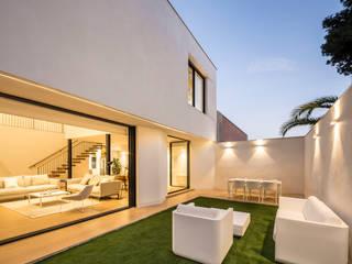 Casa en Godella Destudio Arquitectura Jardines de estilo mediterráneo