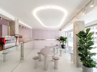 Studio DLF Modern dining room