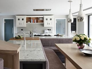 Take a (bespoke banquette) seat! Mowlem&Co Built-in kitchens