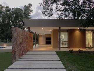 CASA D3 D'ODORICO arquitectura Casas unifamiliares Beige