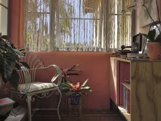 EMBAÚBA Projetos Balcony Wood Pink