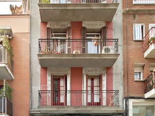 A5 APARTMENT BUILDING Kahane Architects Casas de estilo moderno