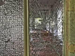 Hausratversicherung press profile homify Moderne Fenster & Türen