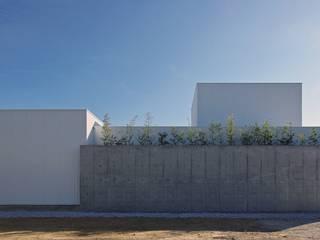 空間建築-傳 Case in stile asiatico Bianco