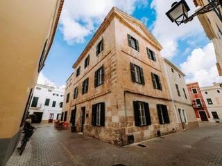 HOTEL ARTEMISIA, MENORCA FAUS INTERNATIONAL FLOORING SLU Casas de estilo mediterráneo
