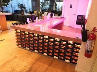 Diseño de interiores DILSMAC Office spaces & stores Beton Red