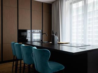 Ремонт четырехкомнатной квартиры для семьи с тремя детьми 120 м² в ЖК Лефортово парк Бюро интерьеров ICON Кухня в стиле минимализм