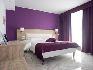Ikarus Concept S.L. BedroomWardrobes & closets