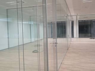 Ikarus Concept S.L. Ruang Studi/Kantor Minimalis