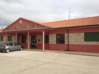 Construcciones Carmelo Gomez Garcia Sekolah Modern