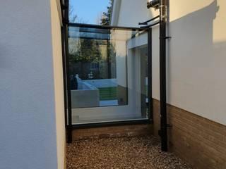 Brentwood Winter 20/21 Glass Structures Limited Pasillos, vestíbulos y escaleras modernos