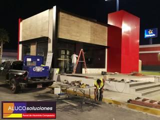 ALUCO SOLUCIONES Paredes e pisos modernos Alumínio/Zinco Vermelho