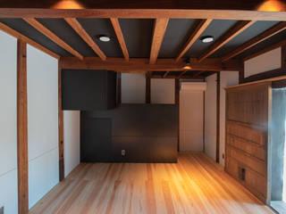 (株)独楽蔵 KOMAGURA Phòng khách phong cách kinh điển