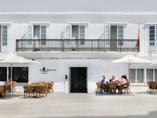"""""""Amalgama"""" Espacios Comerciales & Hostelería Quorum, Arquitectura de Interiores & Comunicación Villas Azulejos Blanco"""