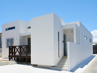 浮かぶBOX7 久友設計株式会社 一戸建て住宅 コンクリート 白色