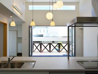 浮かぶBOX7 久友設計株式会社 システムキッチン 白色