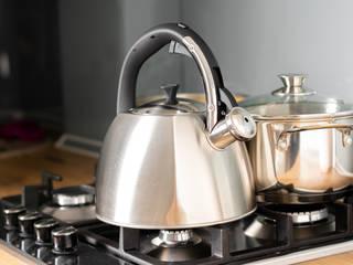 press profile homify KitchenKitchen utensils
