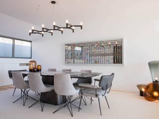 Salas de Estar e Jantar Atelier Renata Santos Machado Salas de jantar modernas