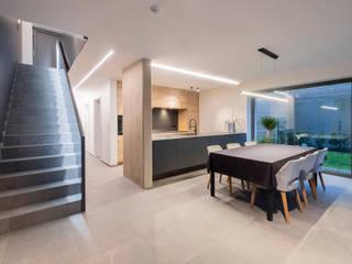 Maisons Loginter Modern dining room