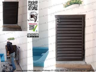 Regio Protectores - Puerta louver instal en el Fracc Valle de las Alamedas REGIO PROTECTORES Puertas interiores
