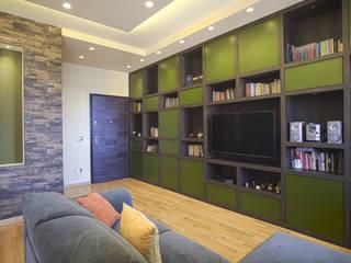 casa FV Rosa Gorgoglione Architetto Ingresso, Corridoio & Scale in stile eclettico Legno Verde