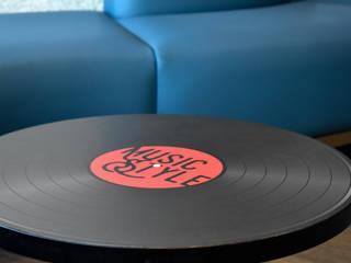 Ralph Wilson ห้องนั่งเล่นโต๊ะกลางและโซฟา ไม้เอนจิเนียร์ Multicolored
