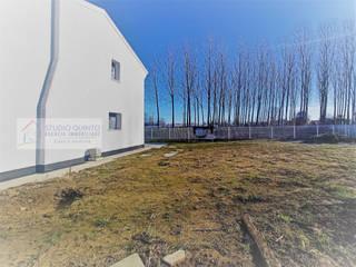 Agenzia Studio Quinto Jardines de estilo moderno