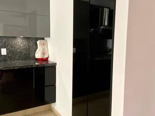 La Central Cocinas Integrales S.A de C.V Modern style doors Black