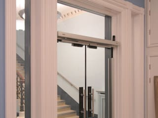 Automatic Glass Doors Ion Glass Museos de estilo minimalista Vidrio