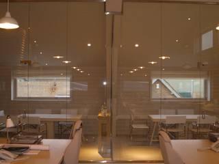 Frameless glass for contemporary offices Ion Glass 辦公室&店面 玻璃