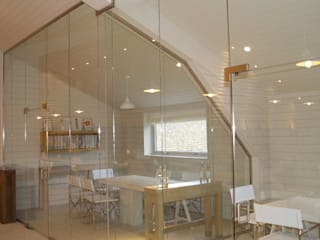 Frameless glass for contemporary offices Ion Glass 辦公大樓 玻璃