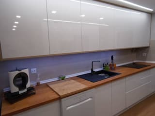 Home 'N Joy Remodelações Kitchen units Wood White