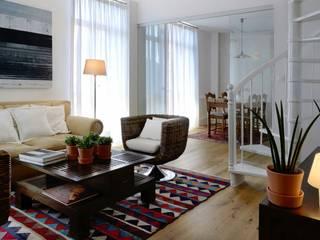 EGENOR S.L Ruang Keluarga Gaya Kolonial Wood effect