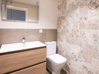 EGENOR S.L 現代浴室設計點子、靈感&圖片