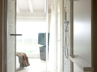 Megius spa 現代浴室設計點子、靈感&圖片