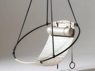 Studio Stirling pty (ltd) Balconies, verandas & terraces Furniture Kulit Metallic/Silver