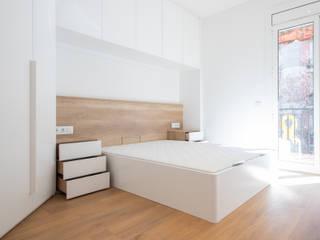 Grupo Inventia Cuartos de estilo mediterráneo Concreto Blanco