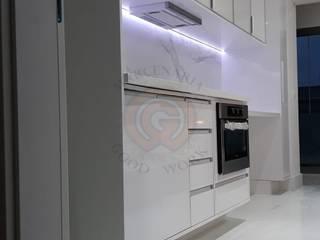 Marcenaria Good Work KitchenCabinets & shelves MDF White