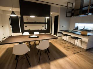 Fabio Valente Studio di architettura e urbanistica Modern kitchen