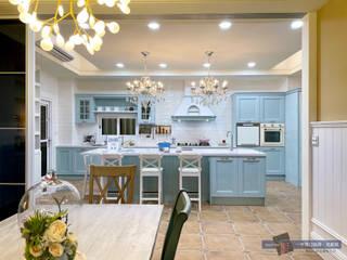 一宇建材有限公司 キッチン収納 無垢材 青色