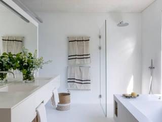 ÁBATON Arquitectura Phòng tắm phong cách Địa Trung Hải