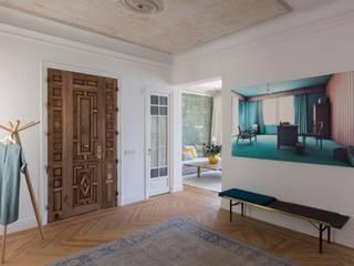 ÁBATON Arquitectura Modern Corridor, Hallway and Staircase