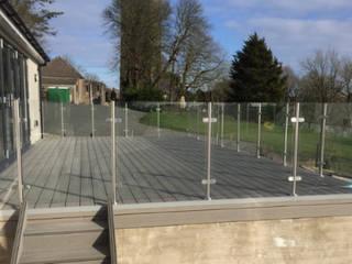 Post and Rail Glass Balustrade in Llanelli, Wales Origin Architectural Halaman depan Kaca Transparent